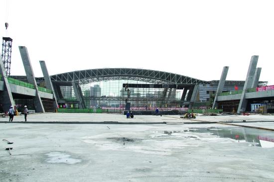 西宁火车站站房工程完成过半 计划明年年底建成