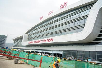 西宁火车站站改工程加紧装修 年内投入使用