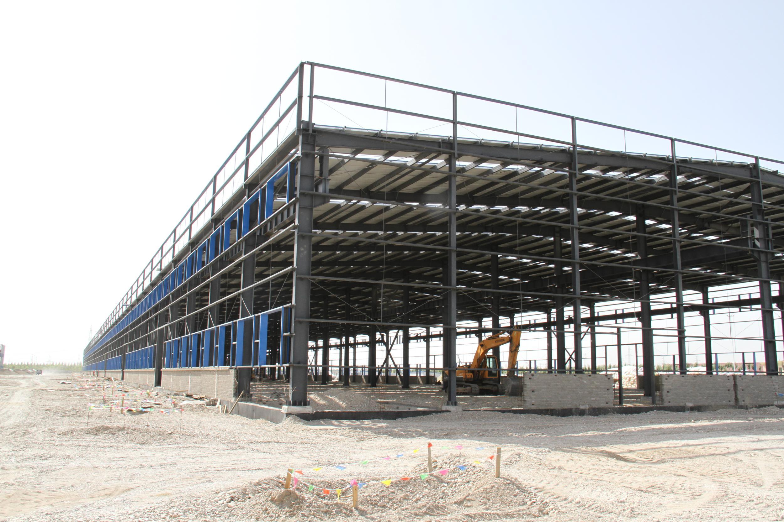 德令哈工业园综合产业区创业基地10栋钢结构厂房项目顺利通过主体验收