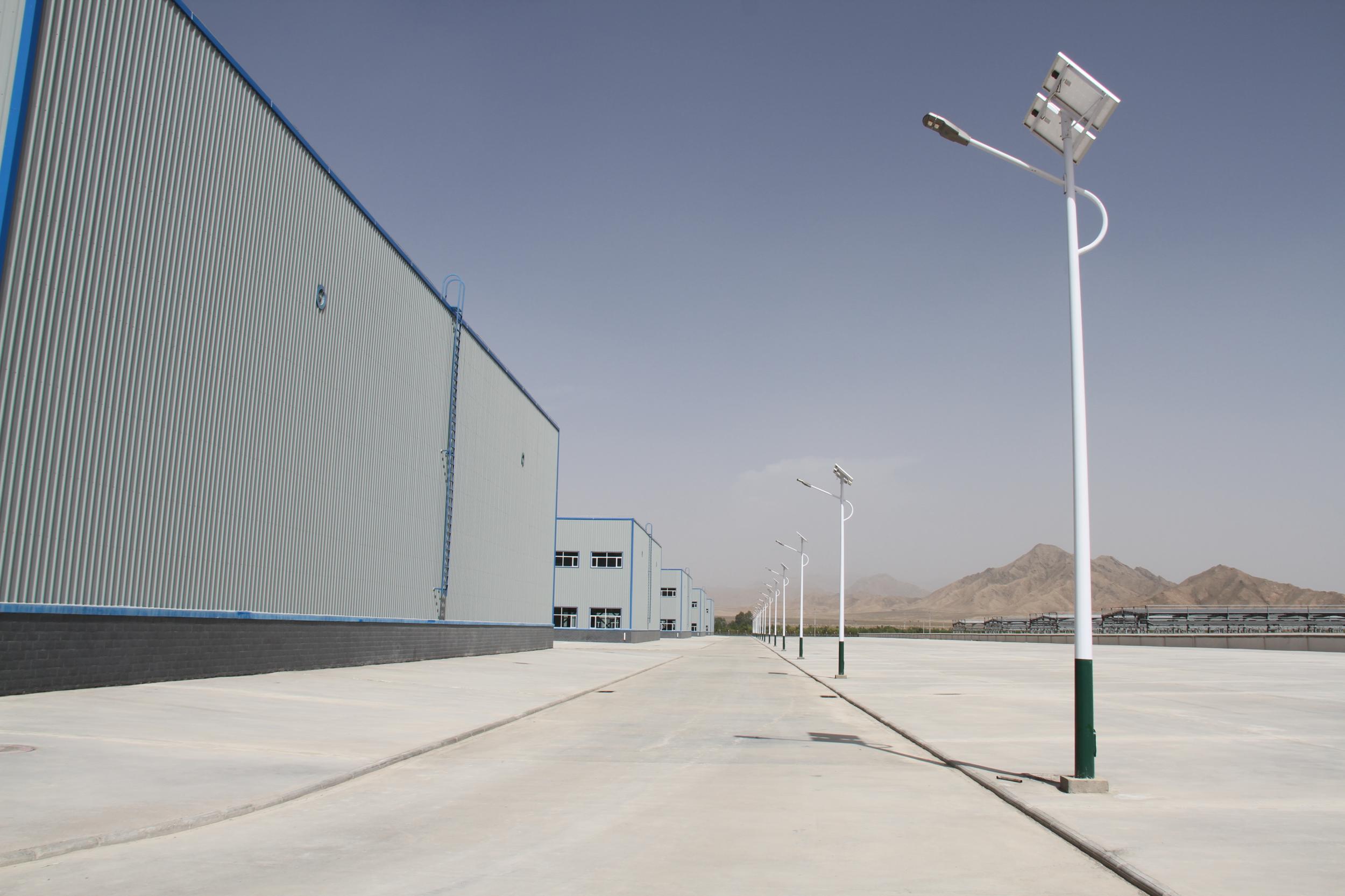 德令哈工业园科技创新型产业孵化基地太阳能路灯工程顺利通过竣工验收