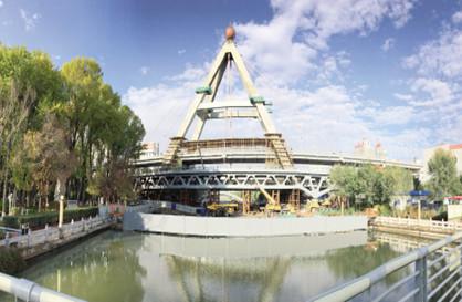 """昆仑桥——""""畅通西宁""""的重点建设项目之一"""