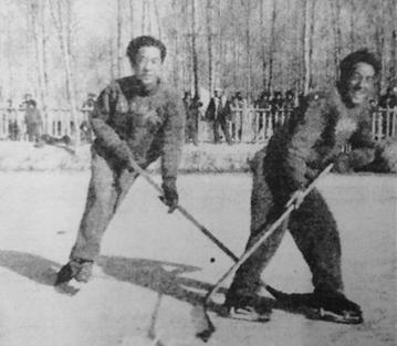 1960年, 青海冰球队远征哈尔滨