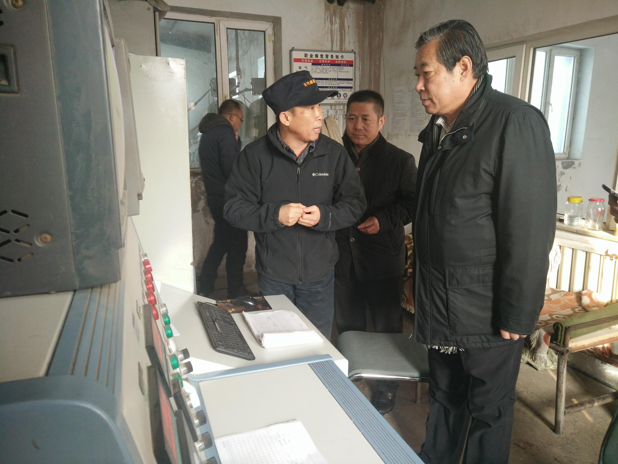 试验区管委会专职副主任程利云率队赴新疆亚欧稀有金属股份有限公司考察金属锂项目