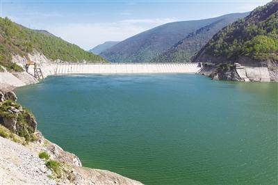 黄南藏族自治州黄河走廊国家水利风景区位于青海省东南部的黄南州