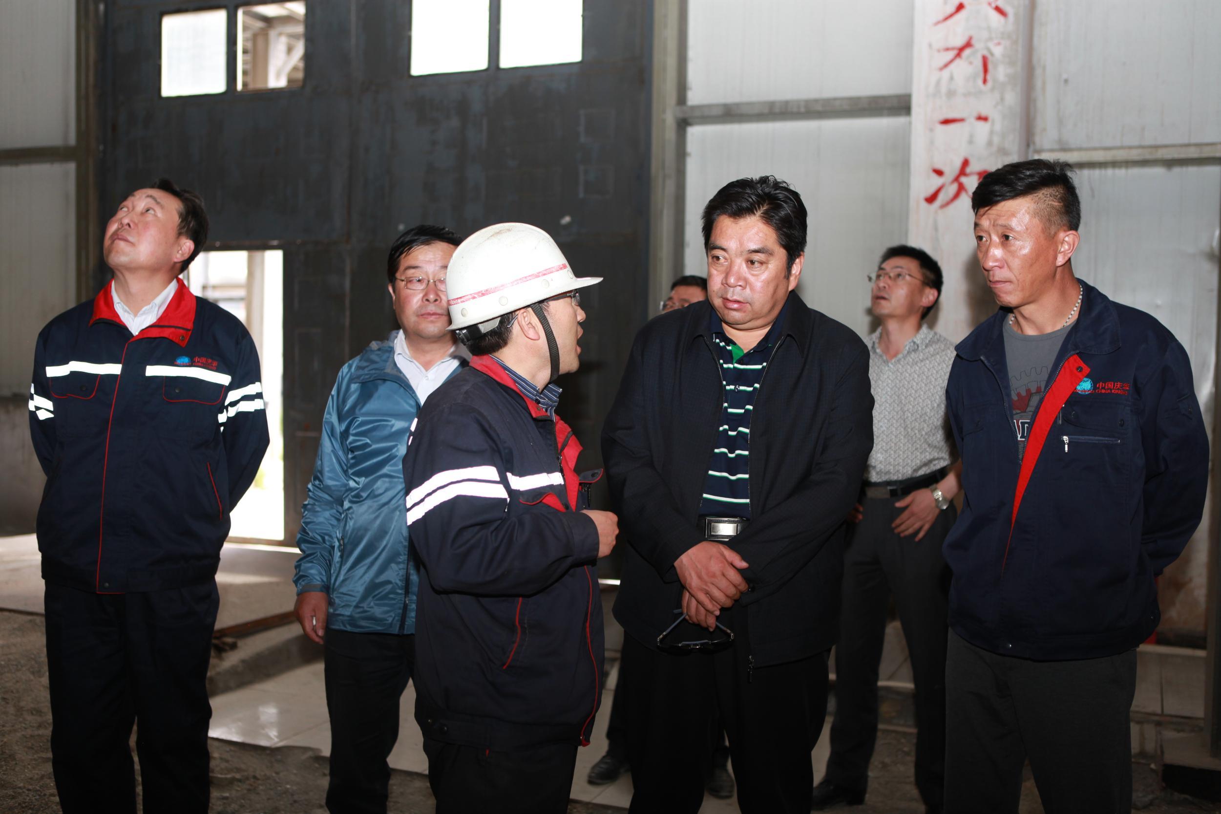 试验区专职副主任李永平赴乌兰工业园调研
