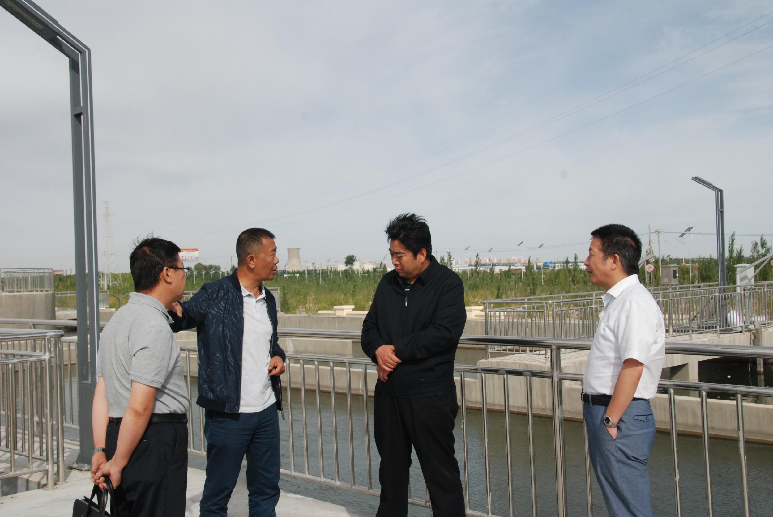 李永平副主任在格尔木工业园调研