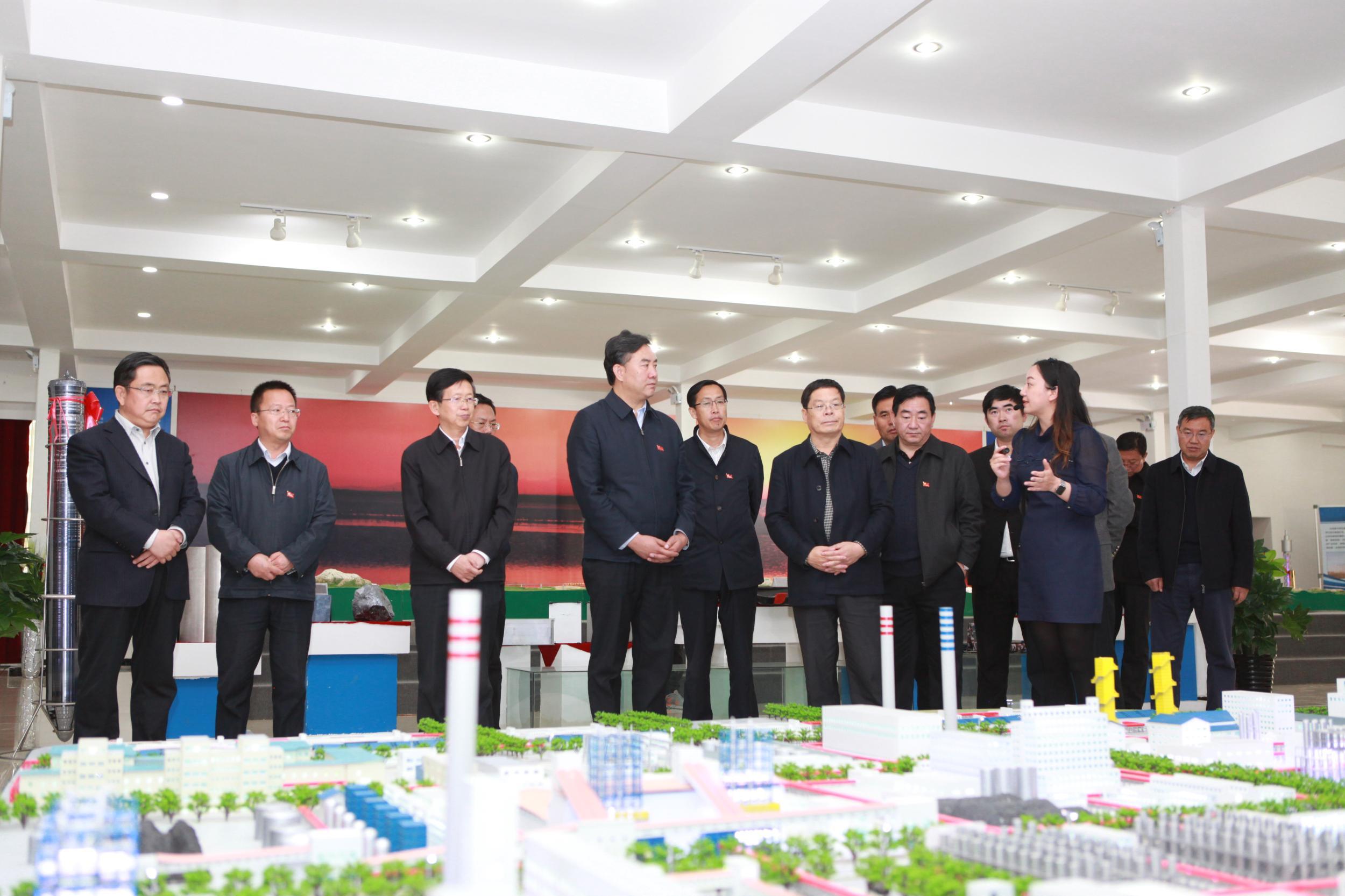 海东党政领导代表团来试验区考察调研