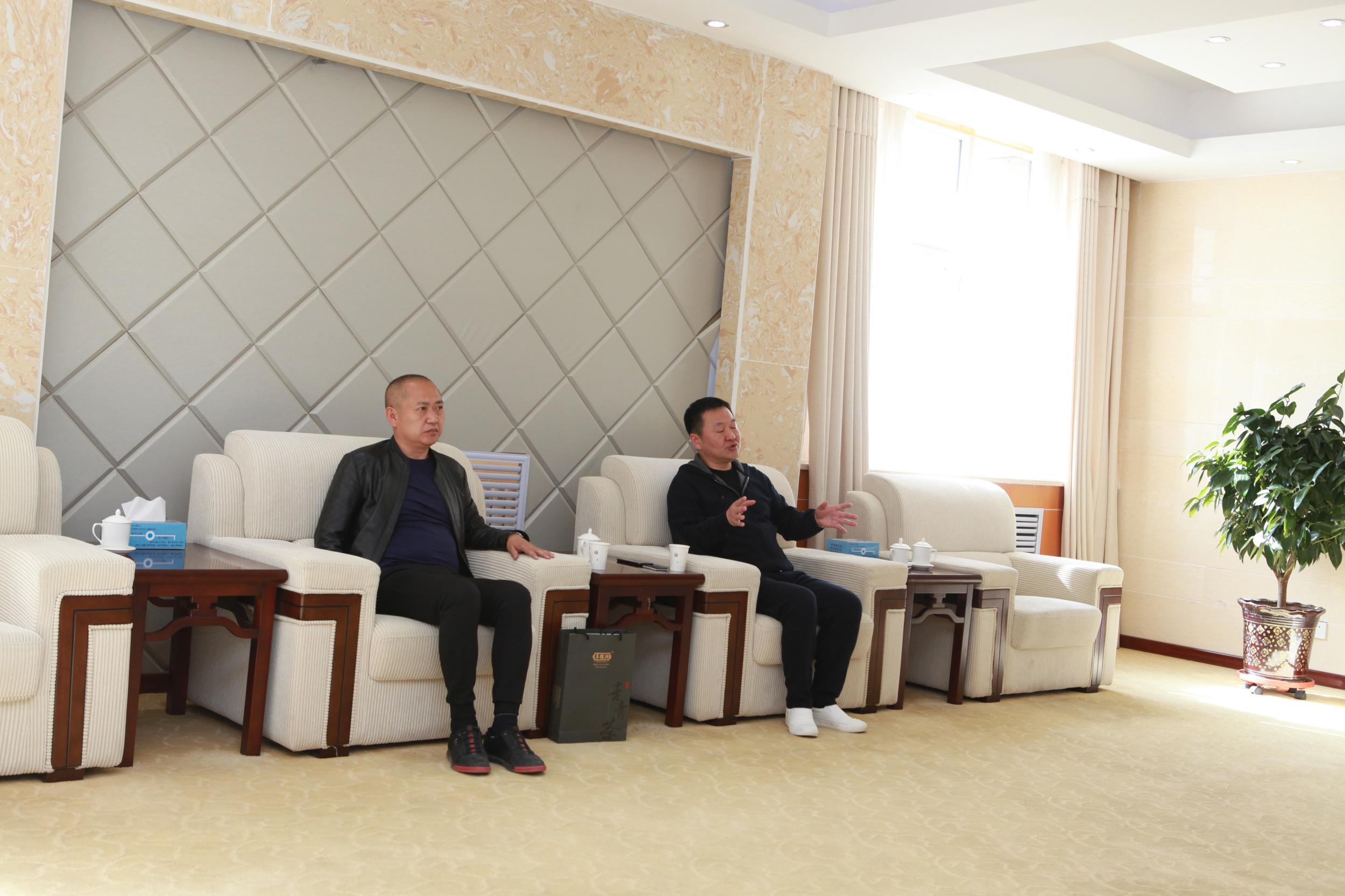 莫重明会见湖北羊楼洞茶业股份有限公司董事长刘建军一行