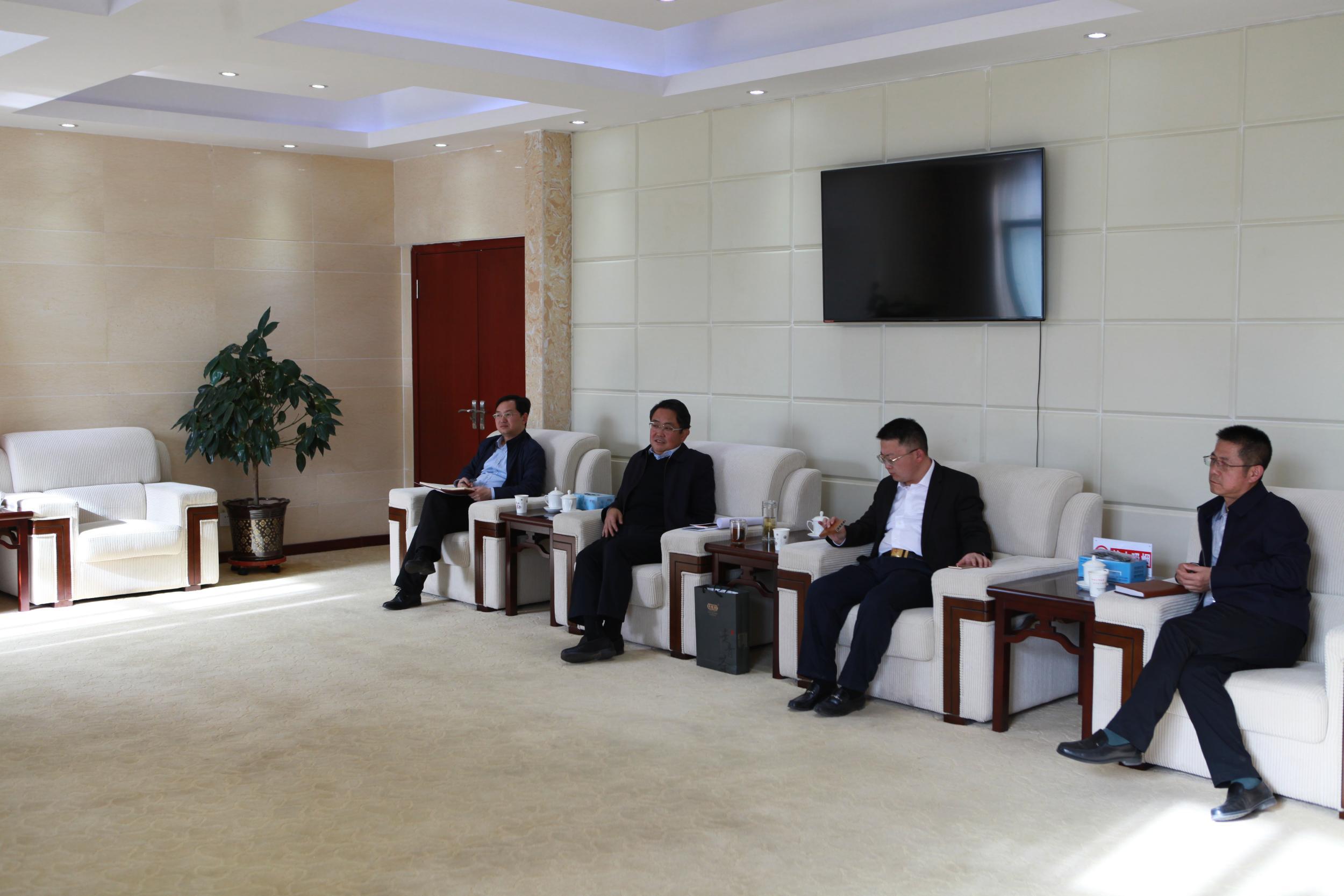 莫重明会见青海宏海基业新材料科技有限公司副总李义财一行