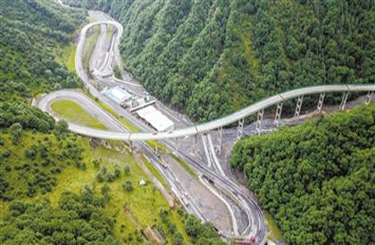 扎碾公路预计今年年底投入使用