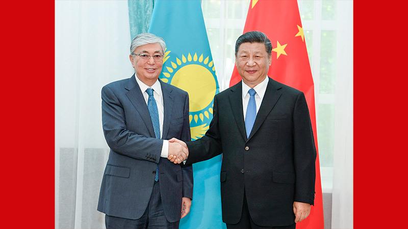 习近平会见哈萨克斯坦总统托卡耶夫