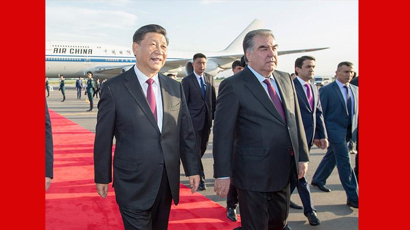 习近平抵达杜尚别开始出席亚洲相互协作与信任措施会议第五次峰会并对塔吉克斯坦共和国进行国事访问