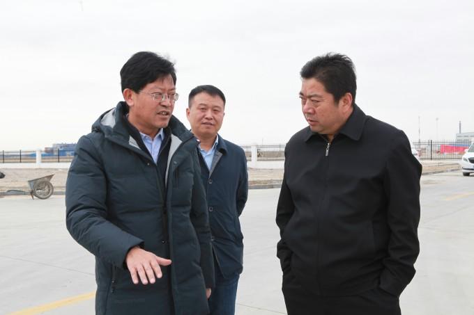 试验区管委会专职副主任李永平深入德令哈、乌兰工业园开展主题教育专题调研