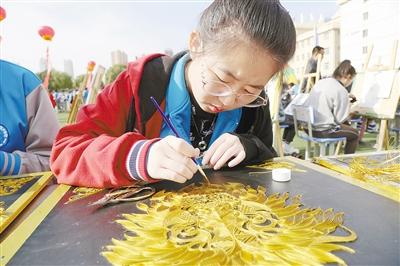 扬中华工匠精神 展职校学生风采