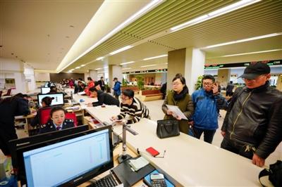西宁市市民中心昨日正式揭牌