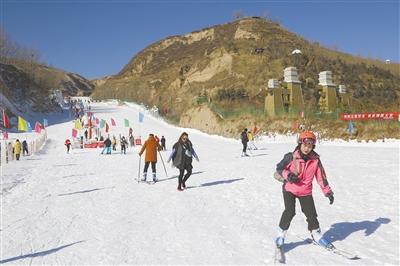 第九屆彩虹冰雪節在互助土族自治縣彩虹部落開幕