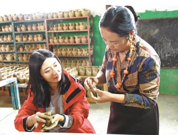 澜沧江畔的黑陶传承