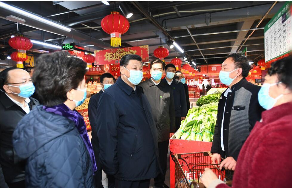 习近平在贵阳考察超市和社区