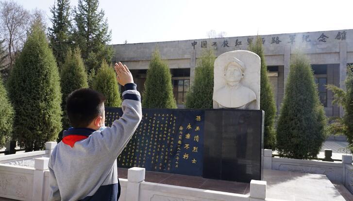 烈士精神激勵前行——青海西寧西路軍紀念館黨史教育現場特寫