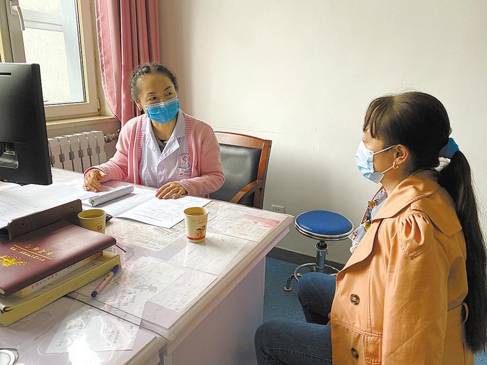 格尔木市为妇女健康保驾护航
